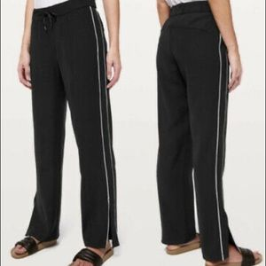 lululemon On the Right Track Pant Blk/Wht